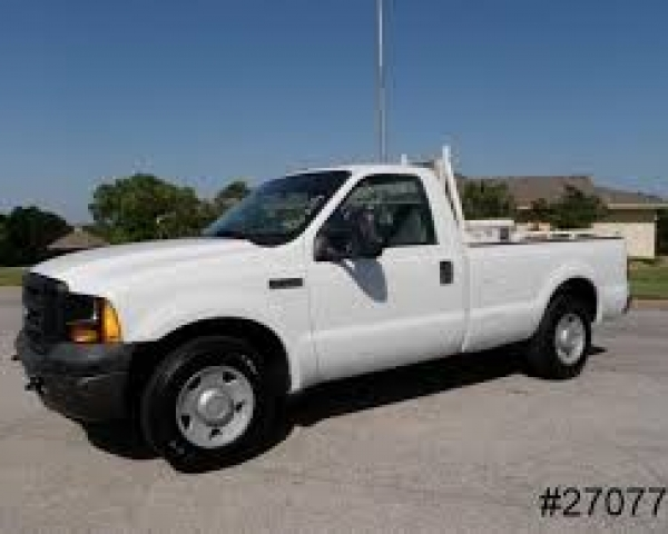 Pick Up Truck  3/4 Ton W/Liftgate